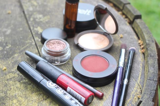 NTB-glossy-eyes-monochromatic-look-dark-skin-12